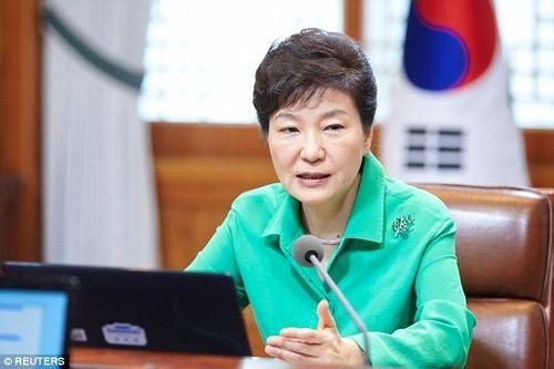 Tổng thống Hàn Quốc phủ nhận tin tham gia giáo phái thần bí - Ảnh 1