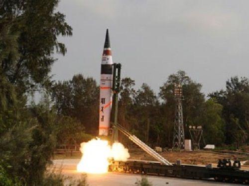 Ấn Độ sắp thử nghiệm tên lửa hạt nhân có thể vươn tới Trung Quốc - Ảnh 1