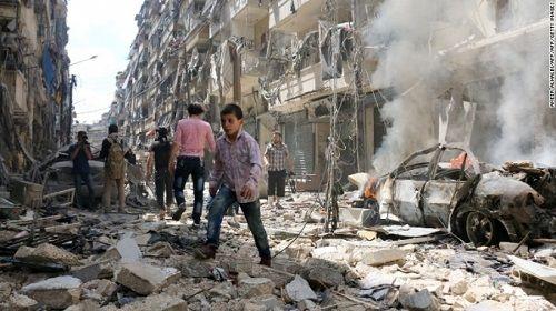 Nhà báo bật khóc vì trẻ Syria mổ không có thuốc gây tê - Ảnh 1
