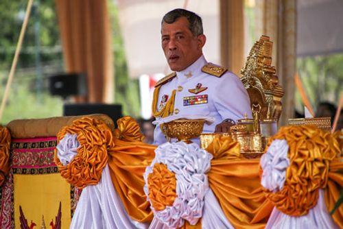 Thái tử Thái Lan chính thức trở thành tân vương - Ảnh 1