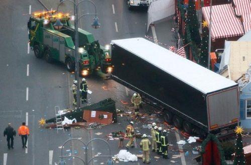 Thủ tướng Merkel: Vụ đâm xe tải ở Berlin là 'hành động khủng bố' - Ảnh 1