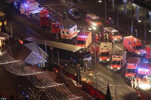 Đức: Tấn công khủng bố vào chợ Giáng sinh, 60 người thương vong - Ảnh 5