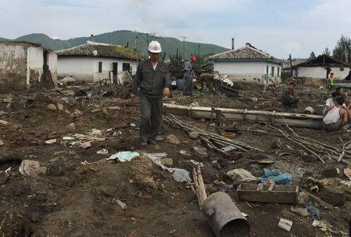 Thảm họa lũ lụt Triều Tiên, hàng trăm lính đang ngủ thiệt mạng - Ảnh 2
