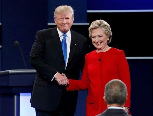 Hillary Clinton công kích Donald Trump về vấn đề kinh tế - Ảnh 1