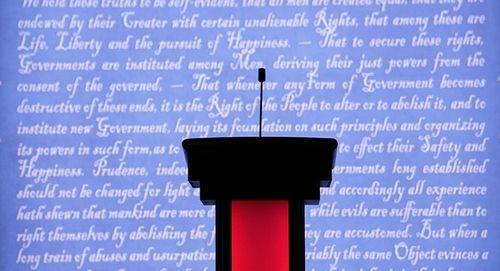 Hillary Clinton và Donald Trump bắt đầu tranh luận trực tiếp - Ảnh 8