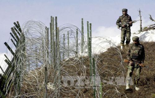Trung Quốc liên lạc với Ấn Độ, Pakistan để hạ nhiệt căng thẳng - Ảnh 1