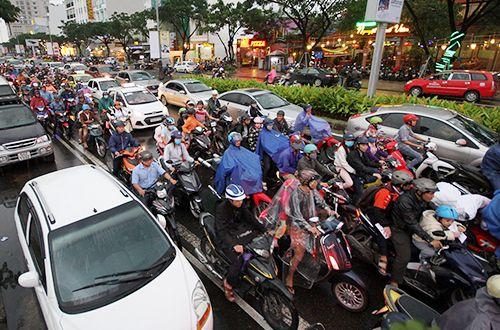 Đà Nẵng giảm ùn tắc giao thông nhờ cấm đỗ xe ngày chẵn, ngày lẻ - Ảnh 1
