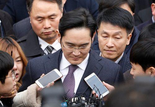 Tòa án Hàn Quốc bác đề nghị bắt lãnh đạo Samsung - Ảnh 1
