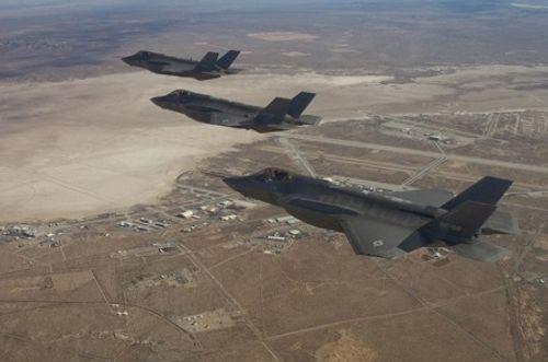Lầu Năm Góc chi 9 tỷ đô mua siêu chiến đấu cơ tàng hình F-35 - Ảnh 1