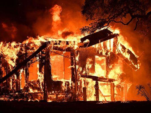"""Cháy rừng """"như tấn công hạt nhân"""" tại California, ít nhất 21 người thiệt mạng - Ảnh 2"""