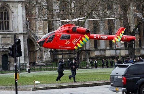 Hiện trường hỗn loạn vụ tấn công 'khủng bố' London - Ảnh 14