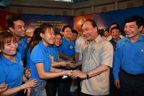 Thủ tướng đối thoại với công nhân lao động miền Trung - Ảnh 1
