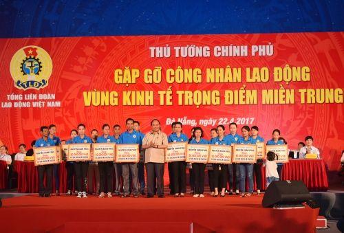 Thủ tướng đối thoại với công nhân lao động miền Trung - Ảnh 5