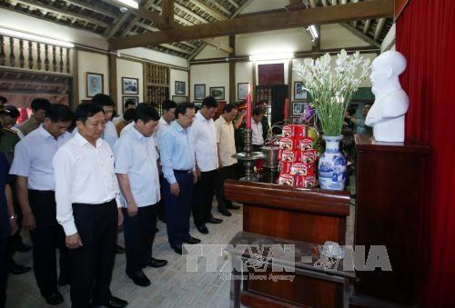 Nhiều hoạt động kỷ niệm 127 năm Ngày sinh Chủ tịch Hồ Chí Minh - Ảnh 2
