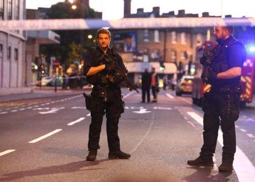 Tài xế lao xe tại London hét lên 'sẽ giết hết người Hồi giáo' - Ảnh 1