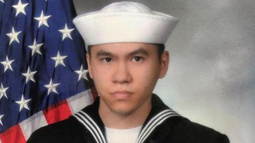 Mỹ xác nhận thương vong trên tàu khu trục USS Fitzgerald, 1 người gốc Việt thiệt mạng - Ảnh 2