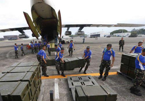 Trung Quốc gửi tặng hàng nghìn khẩu súng cho Philippines - Ảnh 1