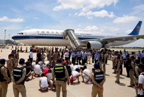 Campuchia trục xuất 29 công dân Trung Quốc - Ảnh 1