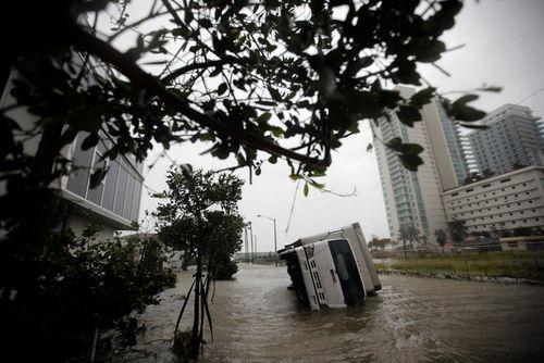 Siêu bão Irma tiếp tục tấn công Mỹ, ít nhất 9 người chết - Ảnh 3