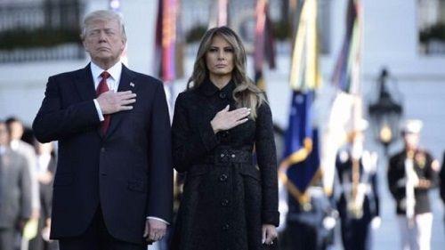 Tổng thống Trump và vợ tưởng niệm vụ khủng bố 11/9 tại Lầu Năm Góc - Ảnh 1