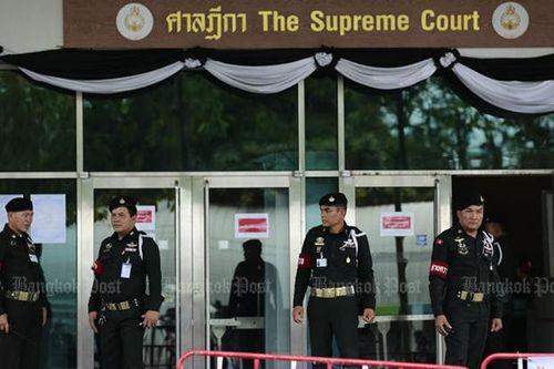 3 cảnh sát Thái Lan bị nghi hỗ trợ bà Yingluck bỏ trốn - Ảnh 1