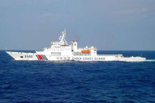 Tàu ngầm Trung Quốc đi vào vùng tiếp giáp lãnh hải, Nhật báo động - Ảnh 1