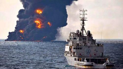 Tàu chở dầu Iran phát nổ, chìm hoàn toàn va chạm tàu Trung Quốc - Ảnh 1