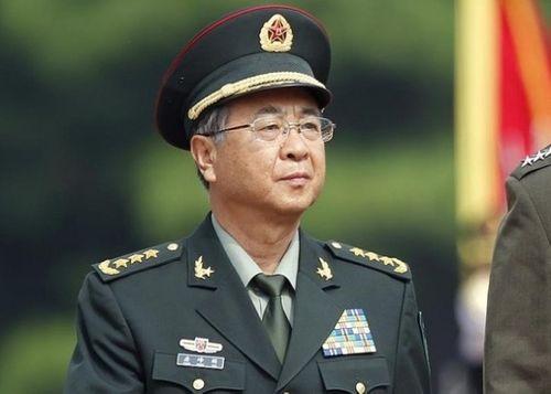 Quan tham Trung Quốc lắp kính chống đạn, hầm tránh bom hạt nhân trong biệt phủ - Ảnh 1