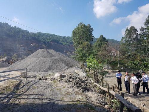 Đà Nẵng buộc chủ mỏ rửa xe chở vật liệu trước khi ra đường - Ảnh 1