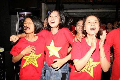 Trung Quốc cấp phép 6 chuyến bay để fan Việt sang cổ vũ đội U23 - Ảnh 1