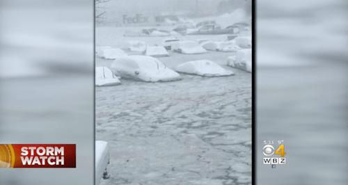 'Bom bão tuyết' đổ bộ nước Mỹ, 22 người thiệt mạng - Ảnh 1