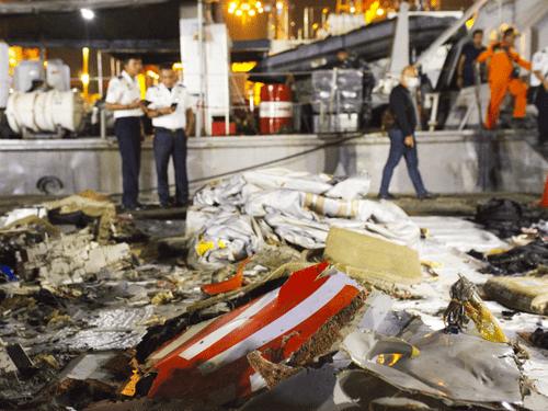Tài liệu hé lộ lỗi kỹ thuật nghiêm trọng trên máy bay Indonesia trước ngày bị rơi - Ảnh 1