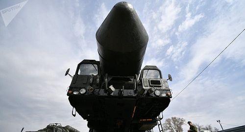 Đoàn tên lửa hạt nhân Nga được đưa về Moscow trong đêm - Ảnh 1