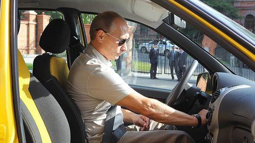 Tổng thống Nga từng suýt làm tài xế taxi - Ảnh 1