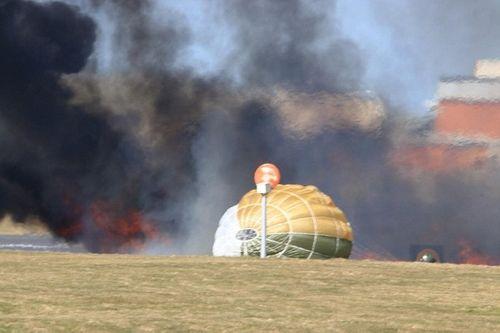 Phi công Anh may mắn thoát chết khi máy bay chiến đấu nổ tung trên không - Ảnh 2
