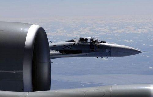 Máy bay chiến đấu NATO liên tục áp sát biên giới Nga - Ảnh 1