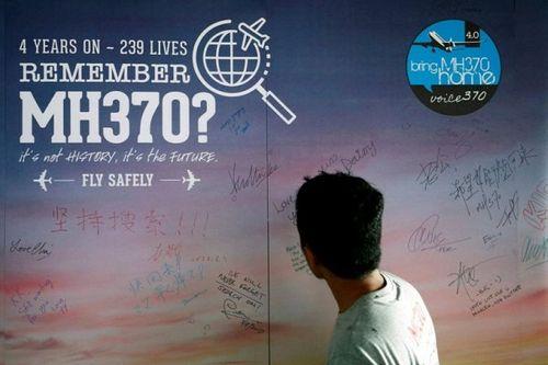 Malaysia hoãn công bố báo cáo về MH370 mất tích - Ảnh 1