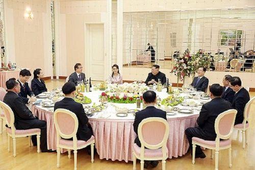 Hàn Quốc hé lộ thực đơn ông Kim Jong-un thết đãi - Ảnh 1