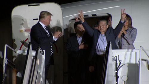 Triều Tiên thả 3 công dân Mỹ: Ông Trump 'cảm ơn ông Kim Jong-un' - Ảnh 1
