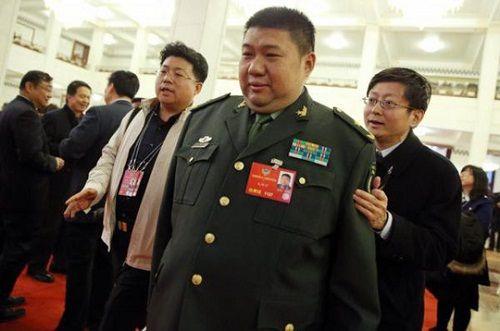 Báo Hàn: Cháu trai của ông Mao Trạch Đông có thể thiệt mạng trong vụ tai nạn xe buýt ở Triều Tiên - Ảnh 1
