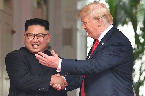 Ông Trump tuyên bố lệnh trừng phạt Triều Tiên chưa được dỡ bỏ - Ảnh 1