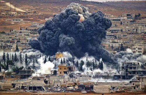 Nóng: Liên quân Mỹ lại tấn công Syrira, ít nhất 12 dân thường thiệt mạng - Ảnh 2