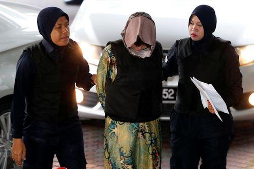 Sáng nay (16/8), Đoàn Thị Hương mặc áo chống đạn đến phiên tuyên án - Ảnh 1