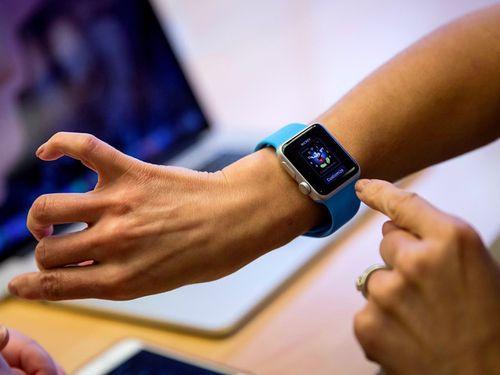 Apple dự định dùng Apple Watch để điều khiển thiết bị thông minh - Ảnh 1