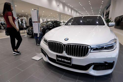 """BMW """"phất cờ trắng"""" trên thị trường xe sang Mỹ - Ảnh 1"""