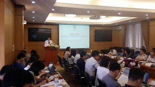 Bộ Tư pháp lên tiếng việc thi tuyển Hiệu trưởng đại học Luật Hà Nội - Ảnh 1