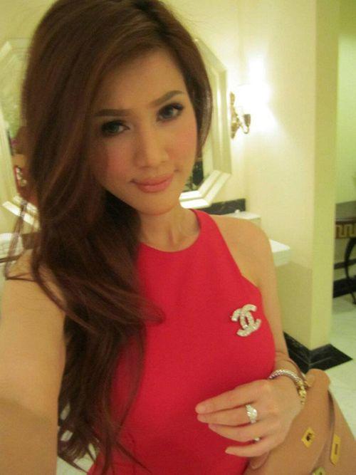 """Người đẹp yêu đại gia Việt, ai có trang sức kim cương """"khủng"""" hơn? - Ảnh 7"""