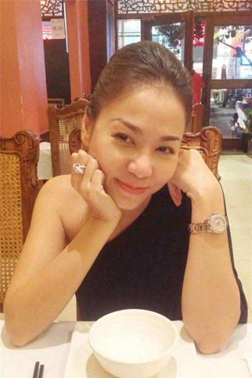 """Người đẹp yêu đại gia Việt, ai có trang sức kim cương """"khủng"""" hơn? - Ảnh 9"""