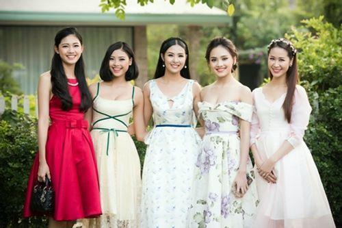 Dàn người đẹp đến mừng Hoa hậu Ngọc Hân khai trương showroom thời trang - Ảnh 4