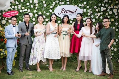 Dàn người đẹp đến mừng Hoa hậu Ngọc Hân khai trương showroom thời trang - Ảnh 1